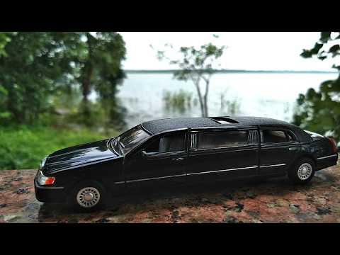 Diecast 1/38 Scale 1999 Stretch Limousine Car |  luxury vehicle
